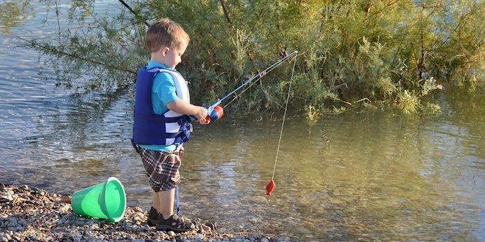 Что подарить рыбаку  различные варианты подарков